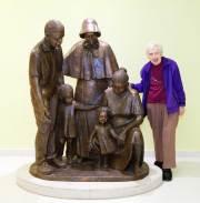 Peggie-Beaudette-and-ES-Childrens-sculpture